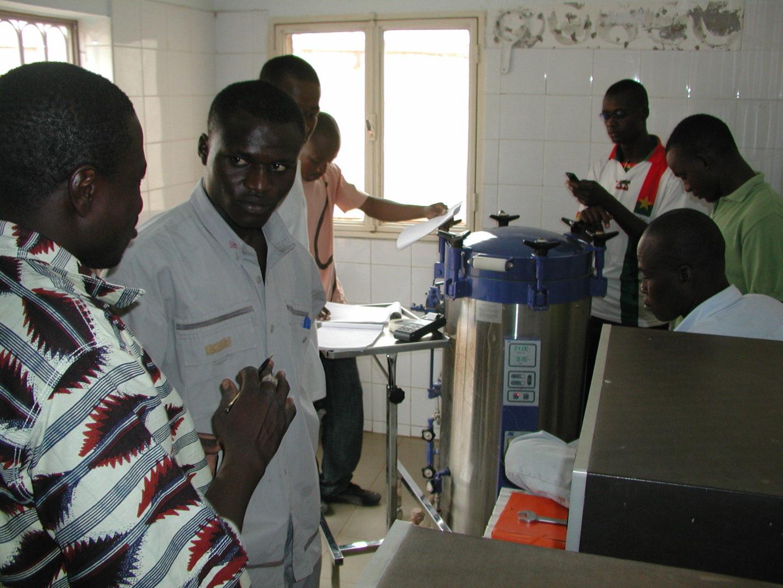 BF-Ouagadougou Maternite Suka 20080521 Travaux Pratiques SMI Test Bowie-Dick Apercu