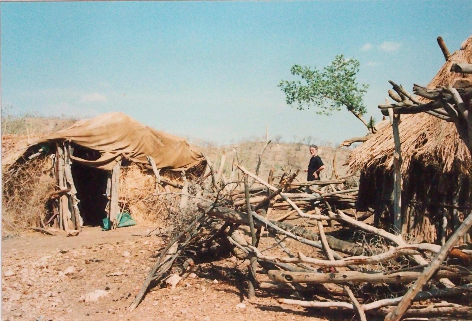 ETH-Tigray REST Food Convoy 19910413 Maiteno Hill REST Field Office Huts