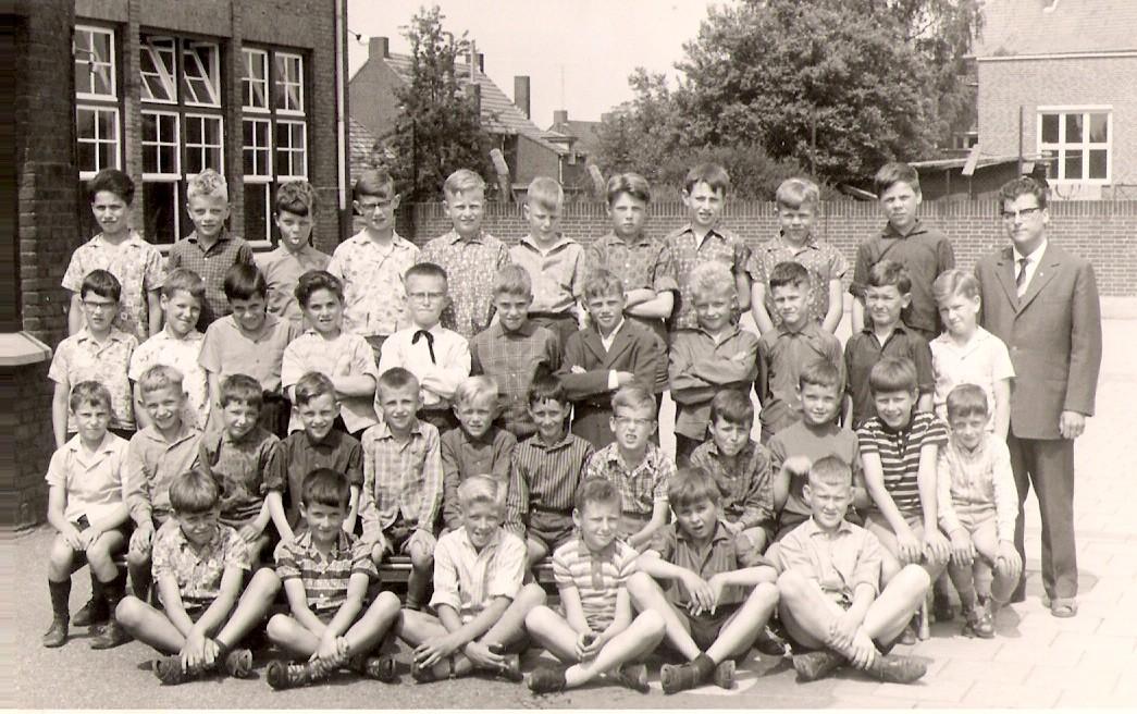 NL-BelfeldHuysBovee1963KlasseFotoLagereSchoolKlas4-2